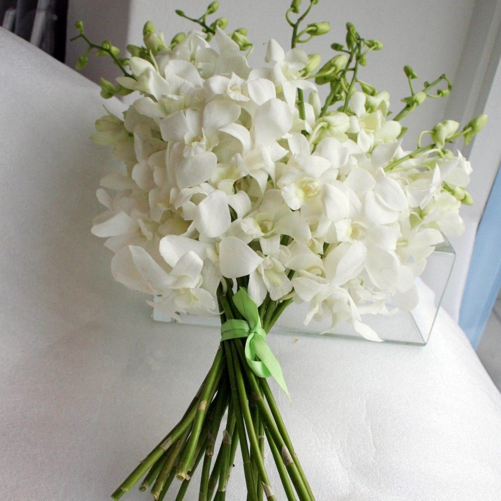 White Dendrobium Orchid Toss Bouquet Toss Bouquets White Dendrobium Orchid Flowergirl B White Orchid Bouquet Orchid Bouquet Wedding Orchids Wedding Flowers