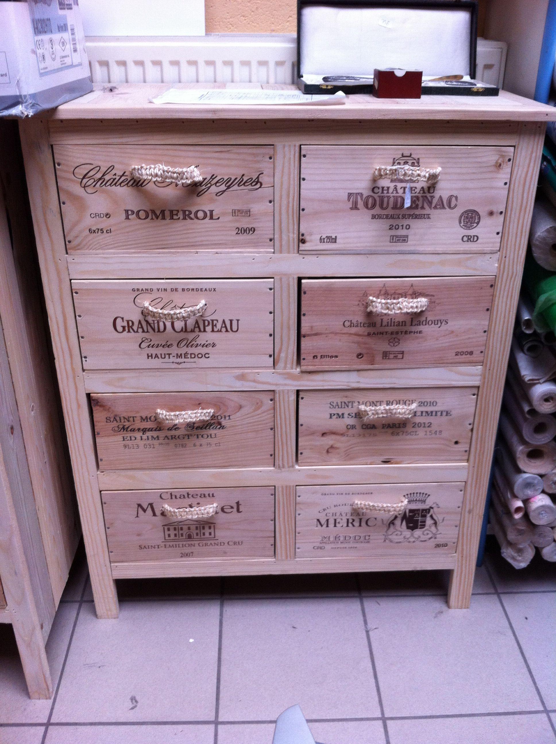 rangement original avec de caisses de vin wood and wine boxes pinterest caisses de vin. Black Bedroom Furniture Sets. Home Design Ideas