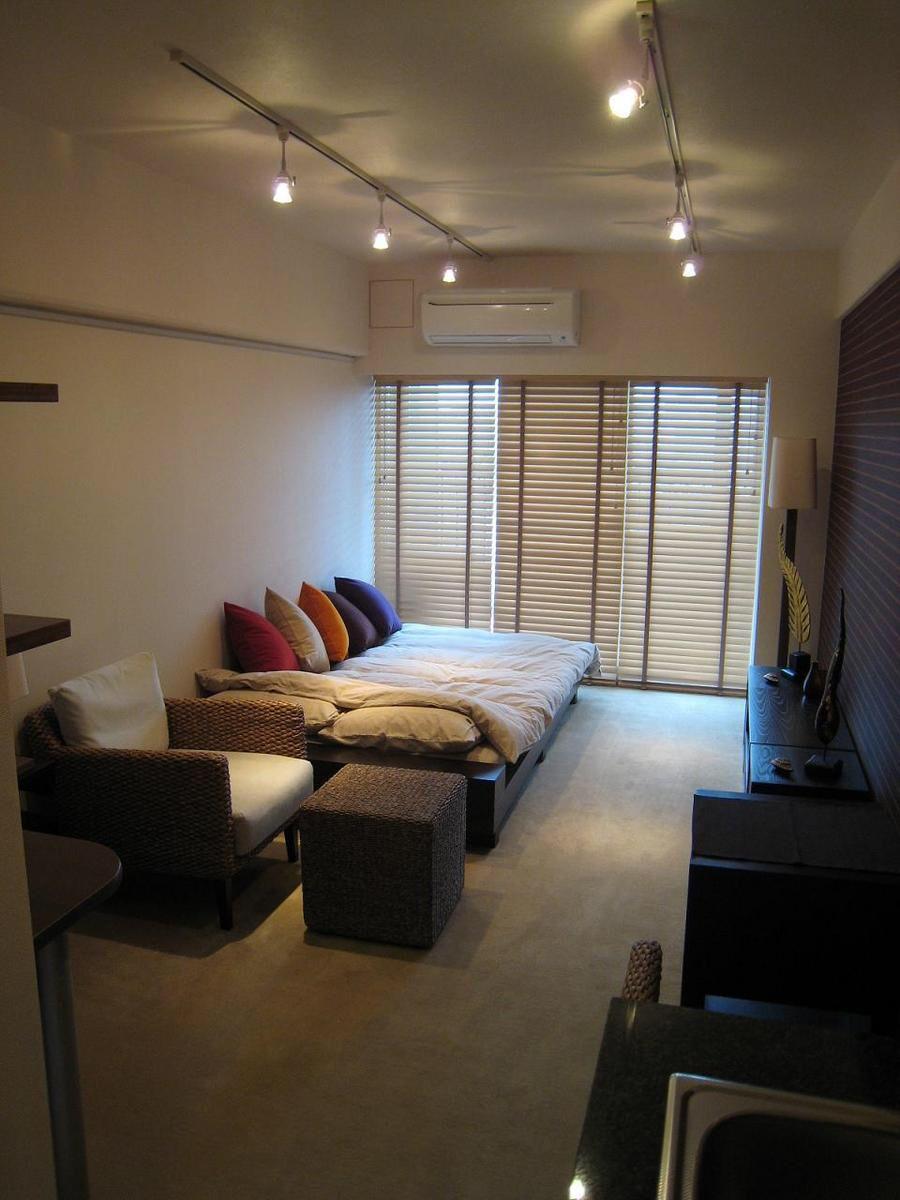 like hotel  interior design living room small room