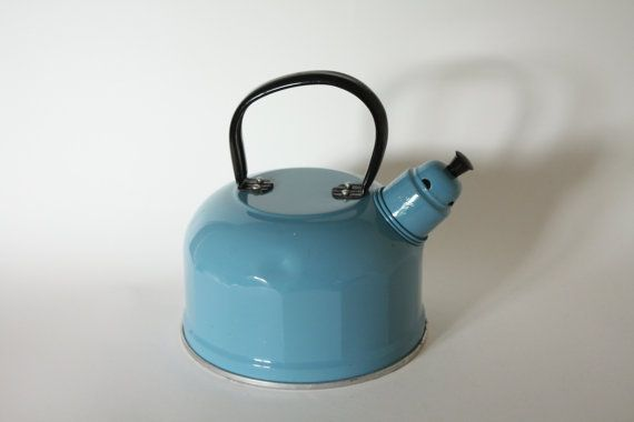Vintage Baby Blue Camping Whistiling Stove Kettle Kettle Vintage Baby Vintage