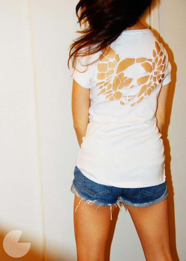 cutout skull t shirt...some other interesting stuff on this blog