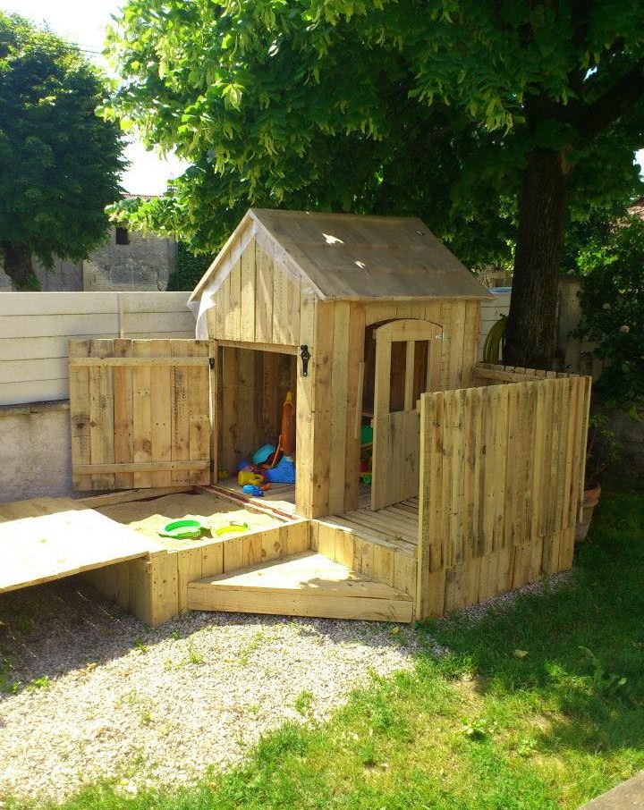 90 incredible wood projects pallet playhouse playhouses for Outdoor wood projects ideas