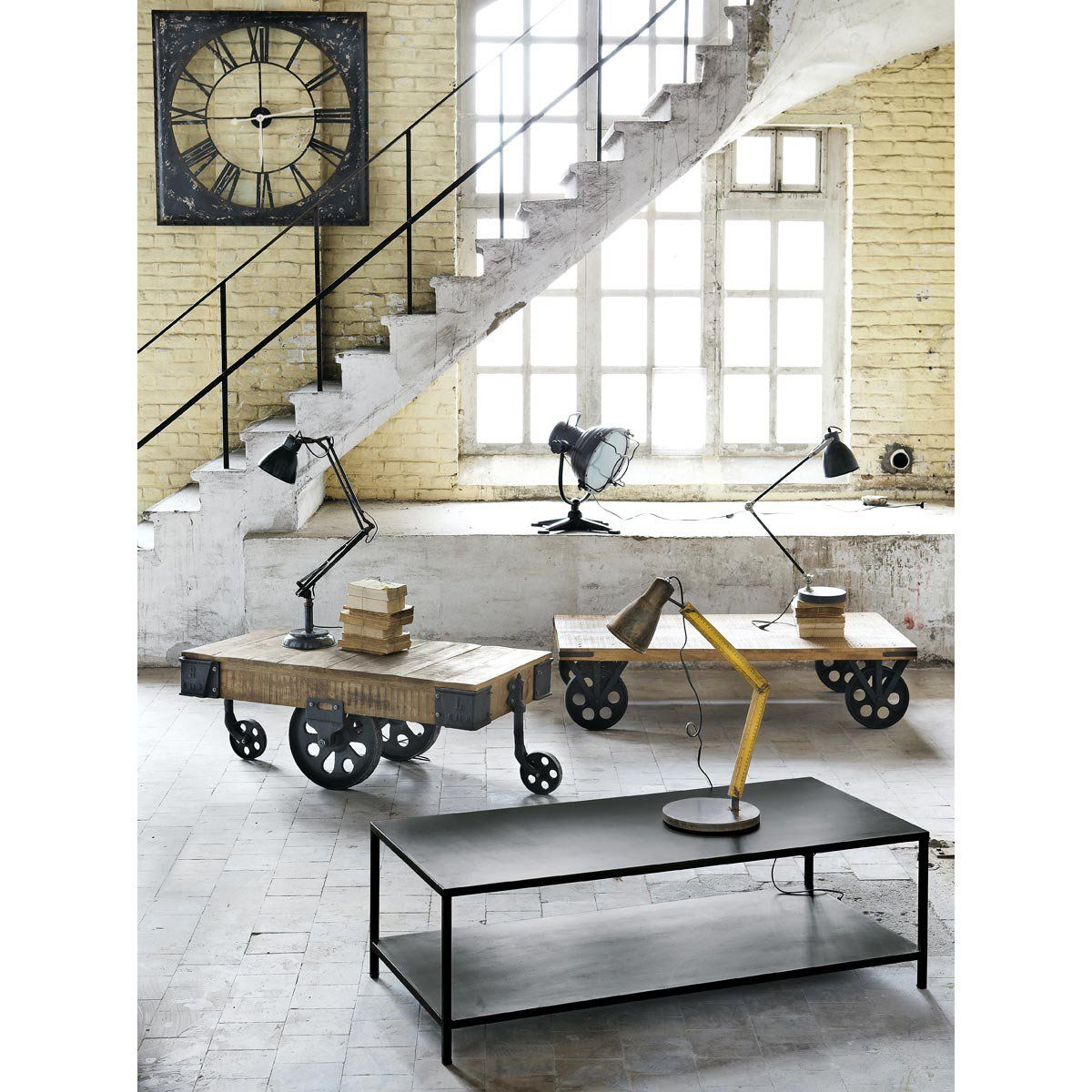 Table Basse Indus A Roulettes En Manguier Massif Et Metal L