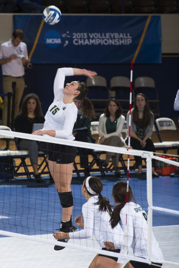 Lauren Wicinski Omg Look At How High She Can Jump Amazing Coaching Volleyball Women Volleyball Michigan State Volleyball