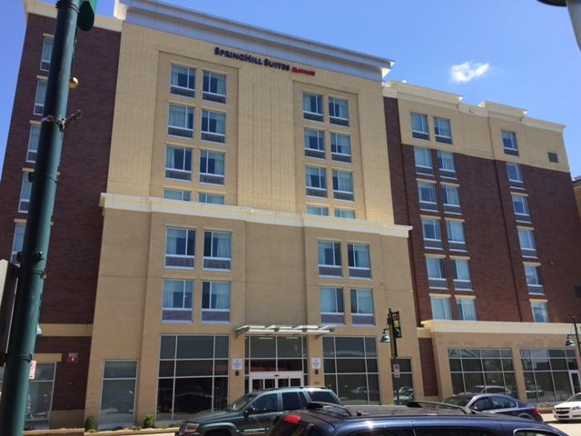 Springhill Suites In Pittsburgh Pa Quaker Aluminum Keystone Series K200 Slider And Picture Windows With Images Commercial Windows Windows And Doors Springhill