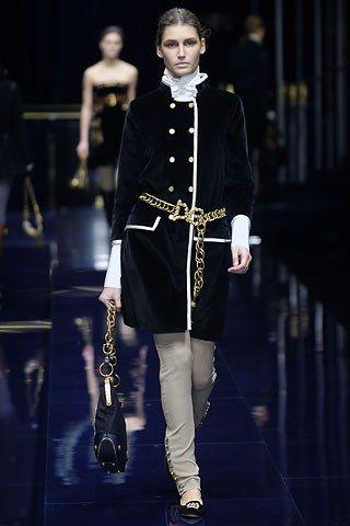 Dolce & Gabbana Fall 2006 Ready-to-Wear Fashion Show - Eugenia Volodina