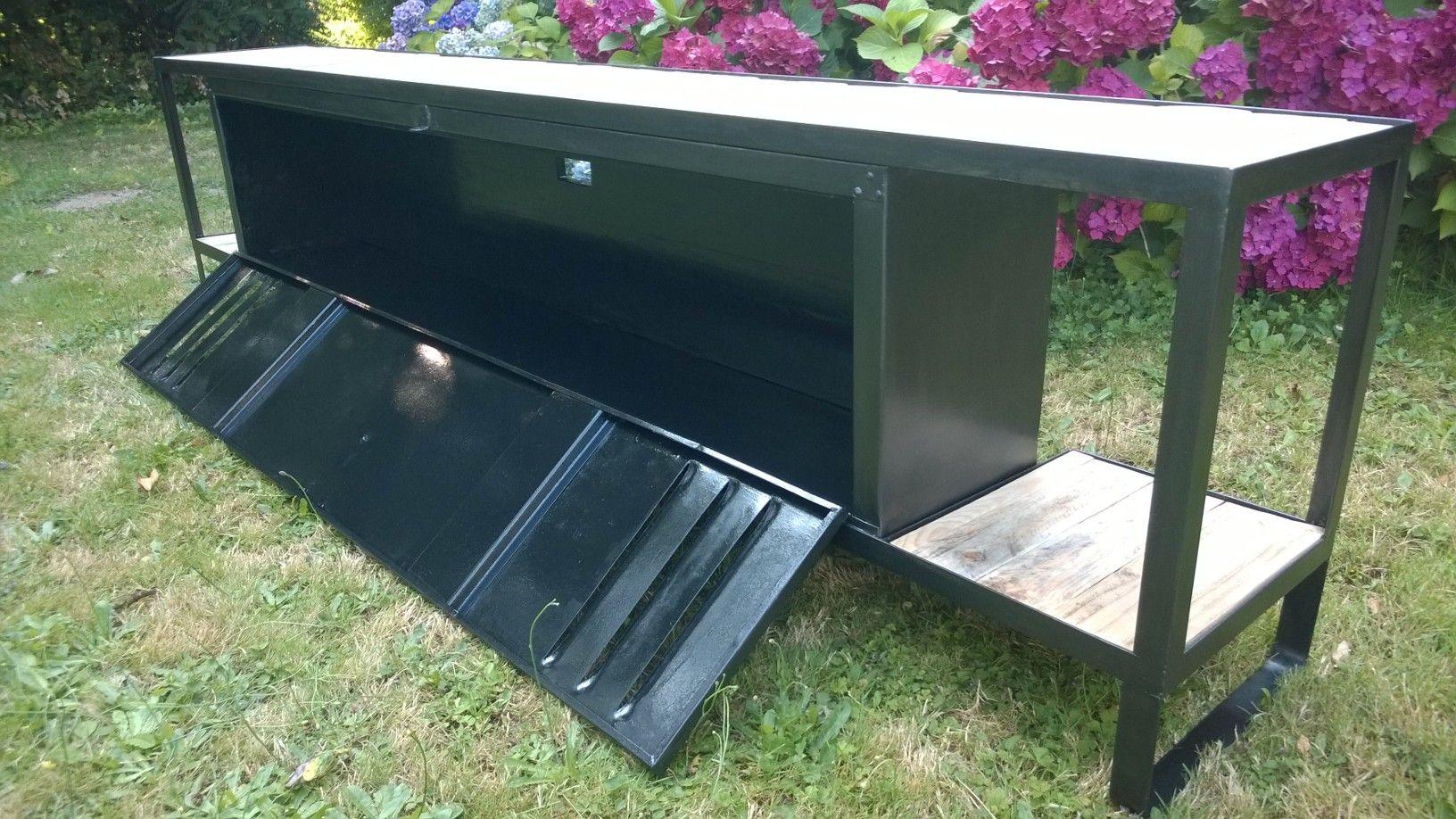 meuble tv sur mesure meuble tv bois et m tal r alis partir d 39 un ancien vestiaire m tallique. Black Bedroom Furniture Sets. Home Design Ideas
