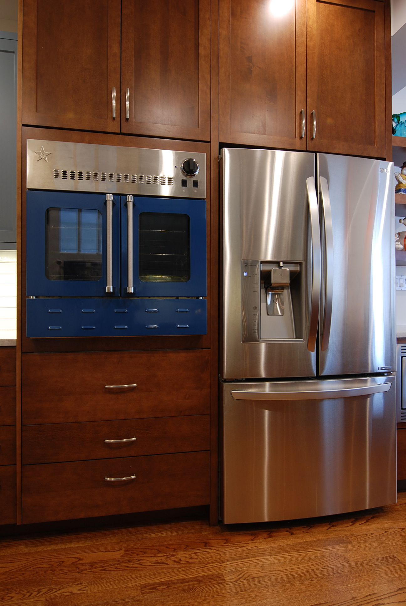 Gentil French Door Refrigerator, Blue Star Wall Oven, Shaker Wood Door Style, Oak  Wood Floors