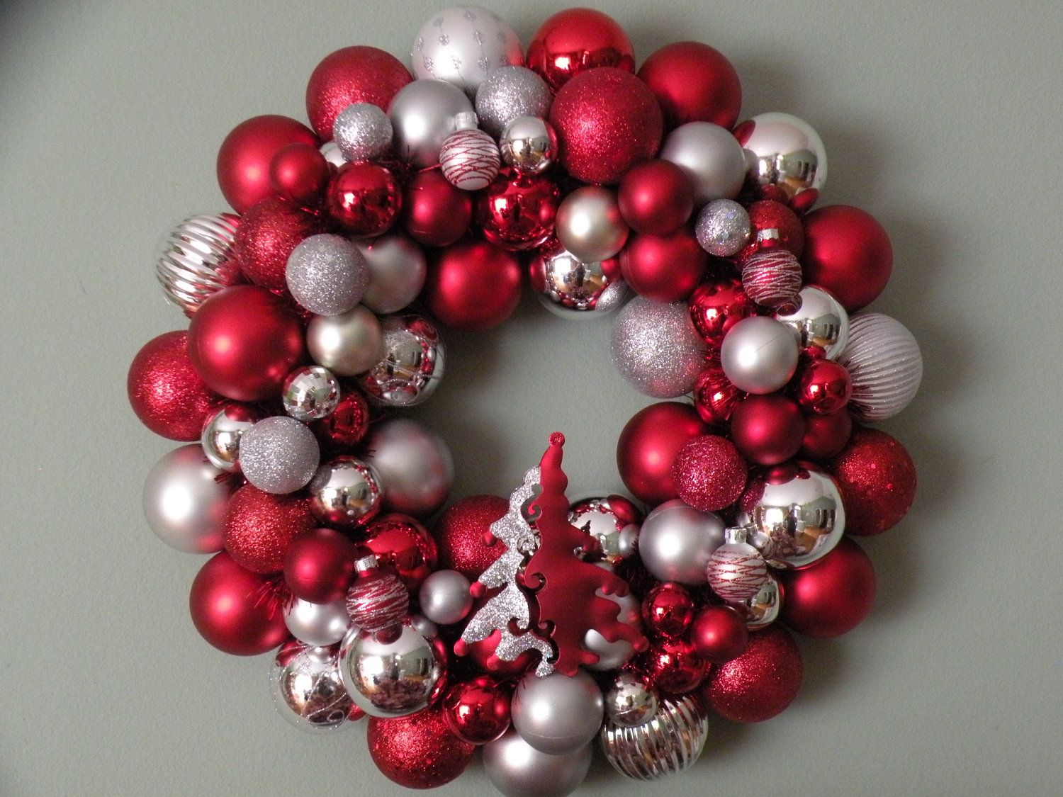 Red And Silver Christmas Ornament Wreath 53 00 Via Etsy Christmas Ornament Wreath Silver Christmas Ornaments Ornament Wreath