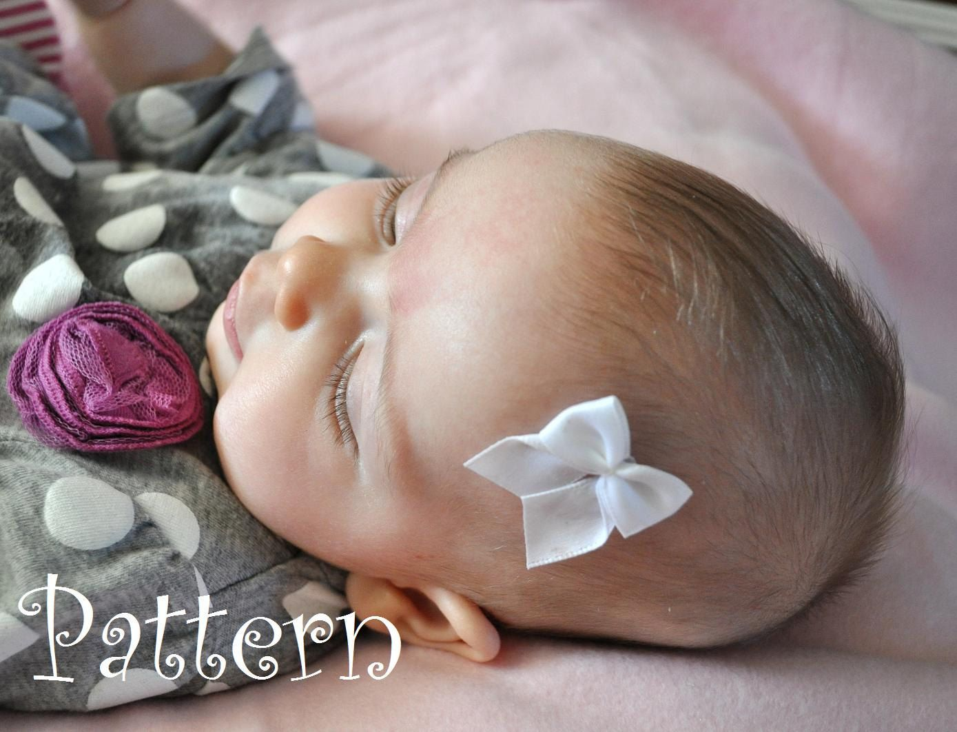 Newborn Stick On Baby Bow Diy Pdf Tutorial How To Make 4 00 Via Etsy With Images Diy Baby Bows Baby Bows Baby Hair Bows