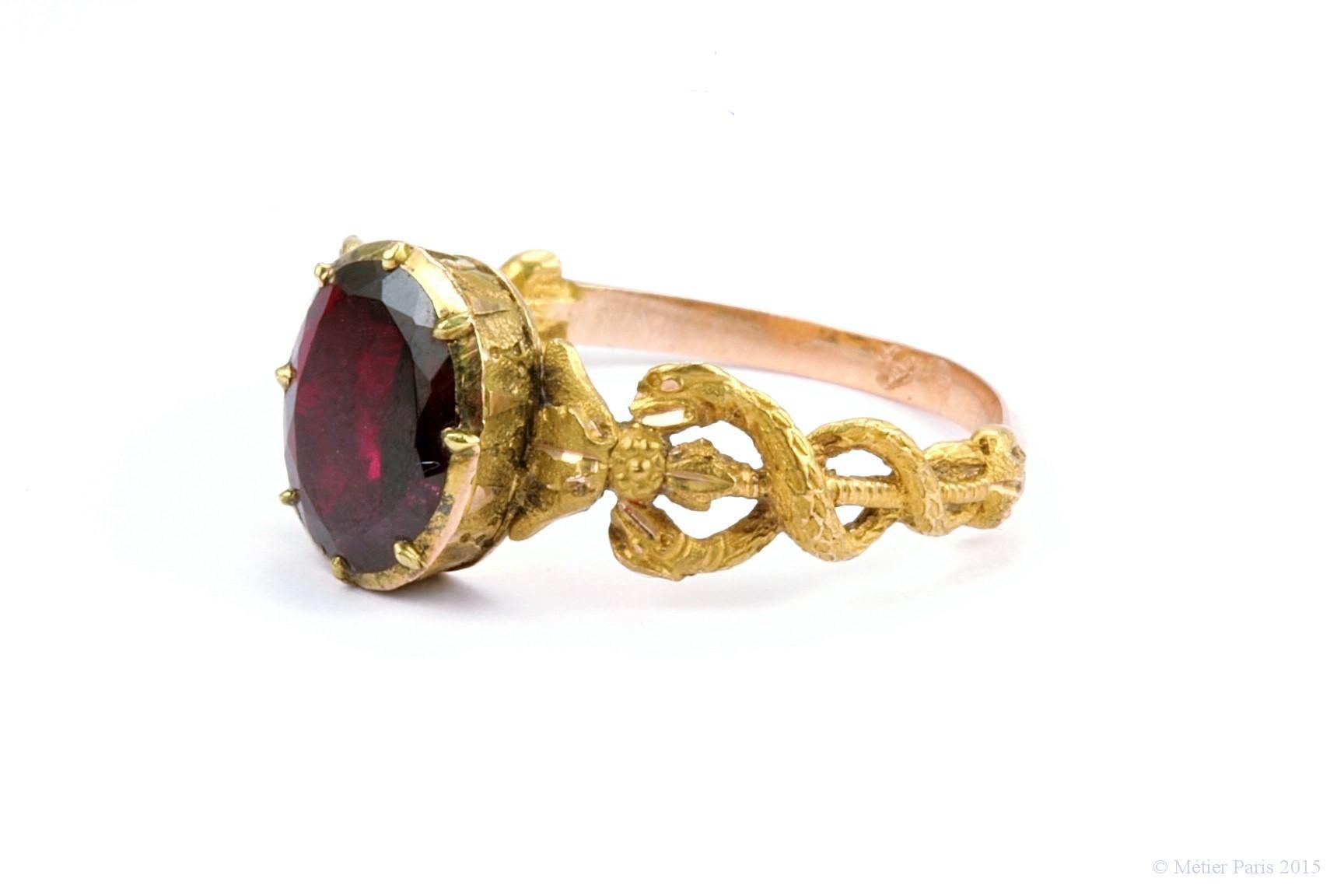 urns ringe as asche unique cremation ashes ring symbolic from rings golden goud gold memorial funeral crematie or