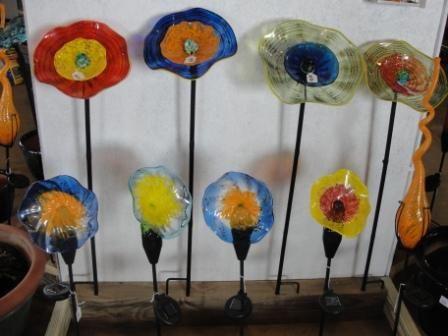 Marvelous Display For Glass Artwork   Viz Glass Garden Art Solar Powered Garden Art  Sure To Catch