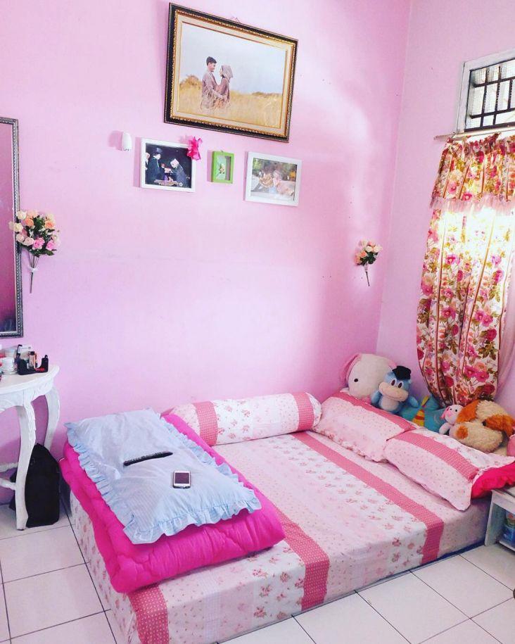 Cat Kamar Anak Perempuan Remaja