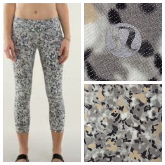 43d826c0bf Lululemon Wunder Under Crops Not So Petite Fleur/Silver Spoon ...
