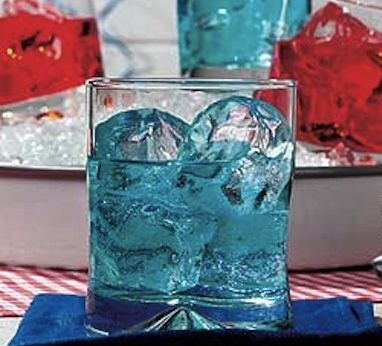 The Yankee Doodle http://goo.gl/n7Orxu #celebrate, #cocktail, #holiday, #independenceday, #the4th, #Recipe