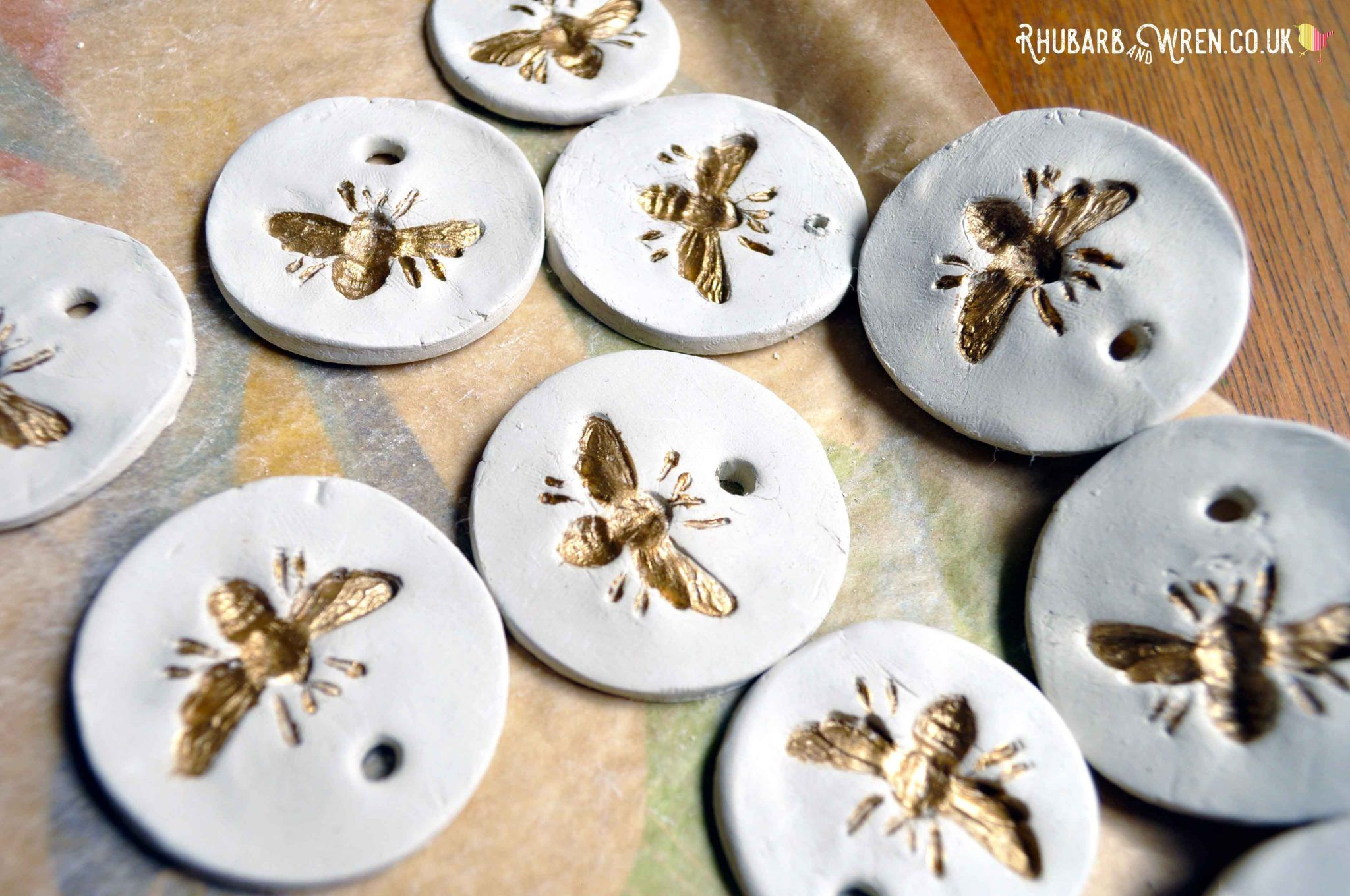 Photo of How to make air dry clay pendants – Rhubarb and Wren