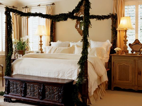holiday four poster bed
