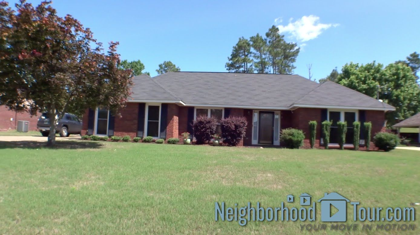 428 Lee Rd 850 Phenix City Spring Special 1 Yr Home Warranty This All Brick Home In Lee County Is Energy Effic Home Warranty Hvac Heat Pump House Styles