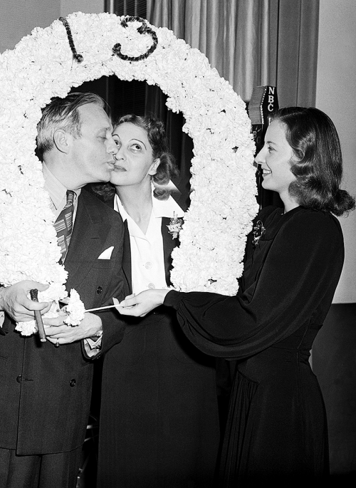Jack Benny, Mary Livingstone, and Barbara Stanwyck who is