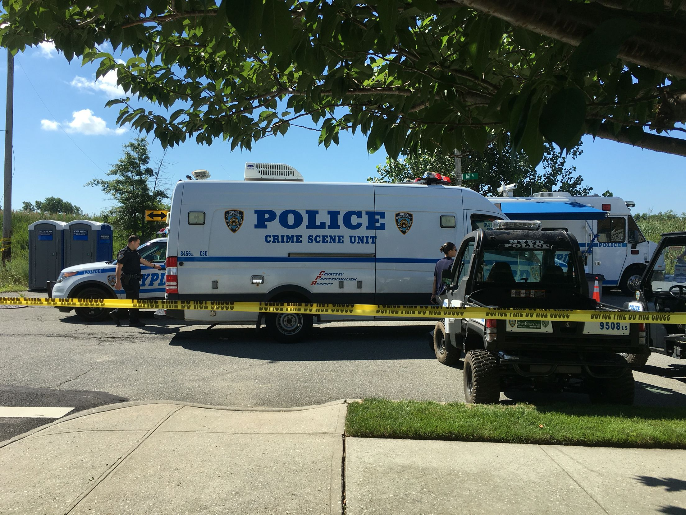NYPD Crime Scene truck at an active crime scene in #HowardBeach #NYC