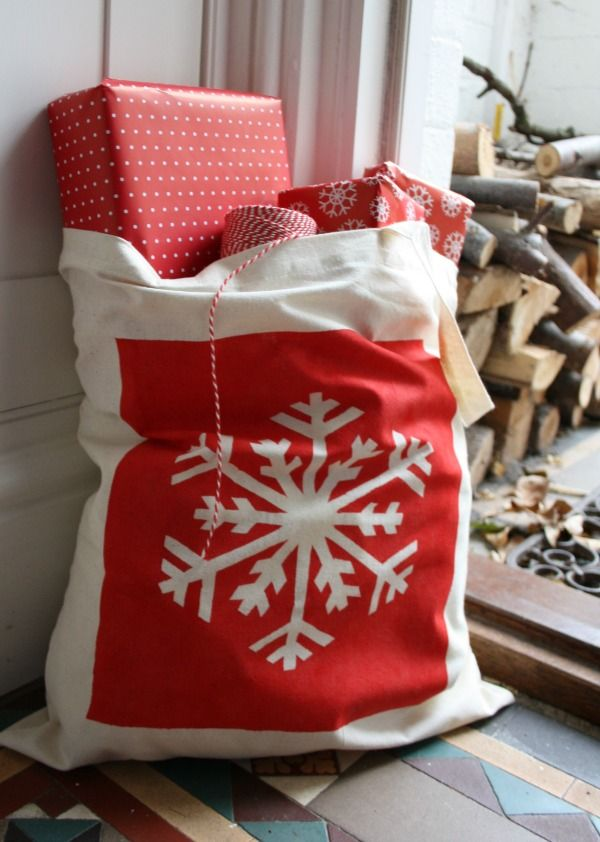 Make: Hand stencilled festive tote bags (free printable stencils ...
