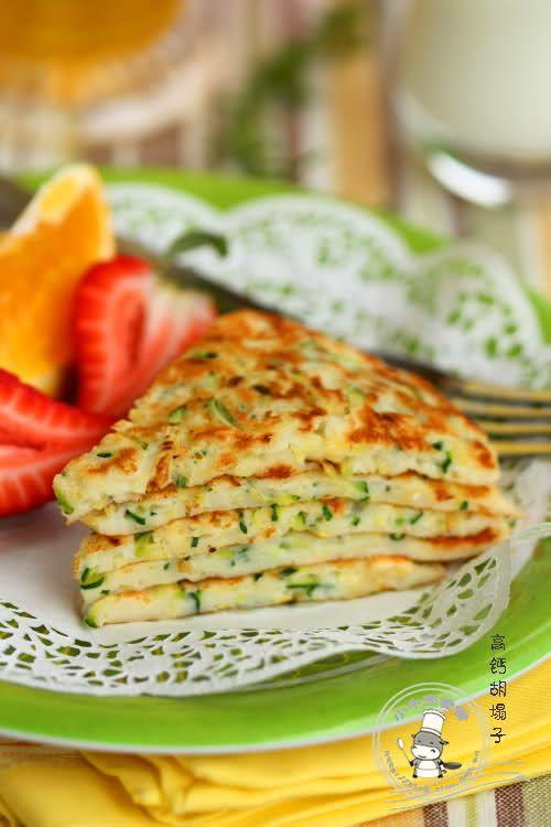 baby shrimp shell &  zucchini pancakes {recipe in Chinese}