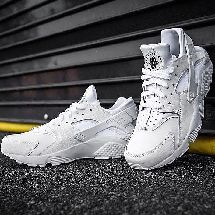 buy popular af15f 81612 Nike Air Huarache Premium