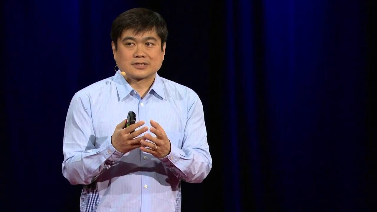 Joi Ito skips the future predictions and instead shares a new approach to creating in the moment: building quickly and improving constantly, without waiting for permission or for proof that you have the right idea. This kind of bottom-up innovation starts with being open and alert to what's going on around you right now. Don't be a futurist, he suggests: be a now-ist. https://www.youtube.com/watch?v=VsjTVGIw4z8