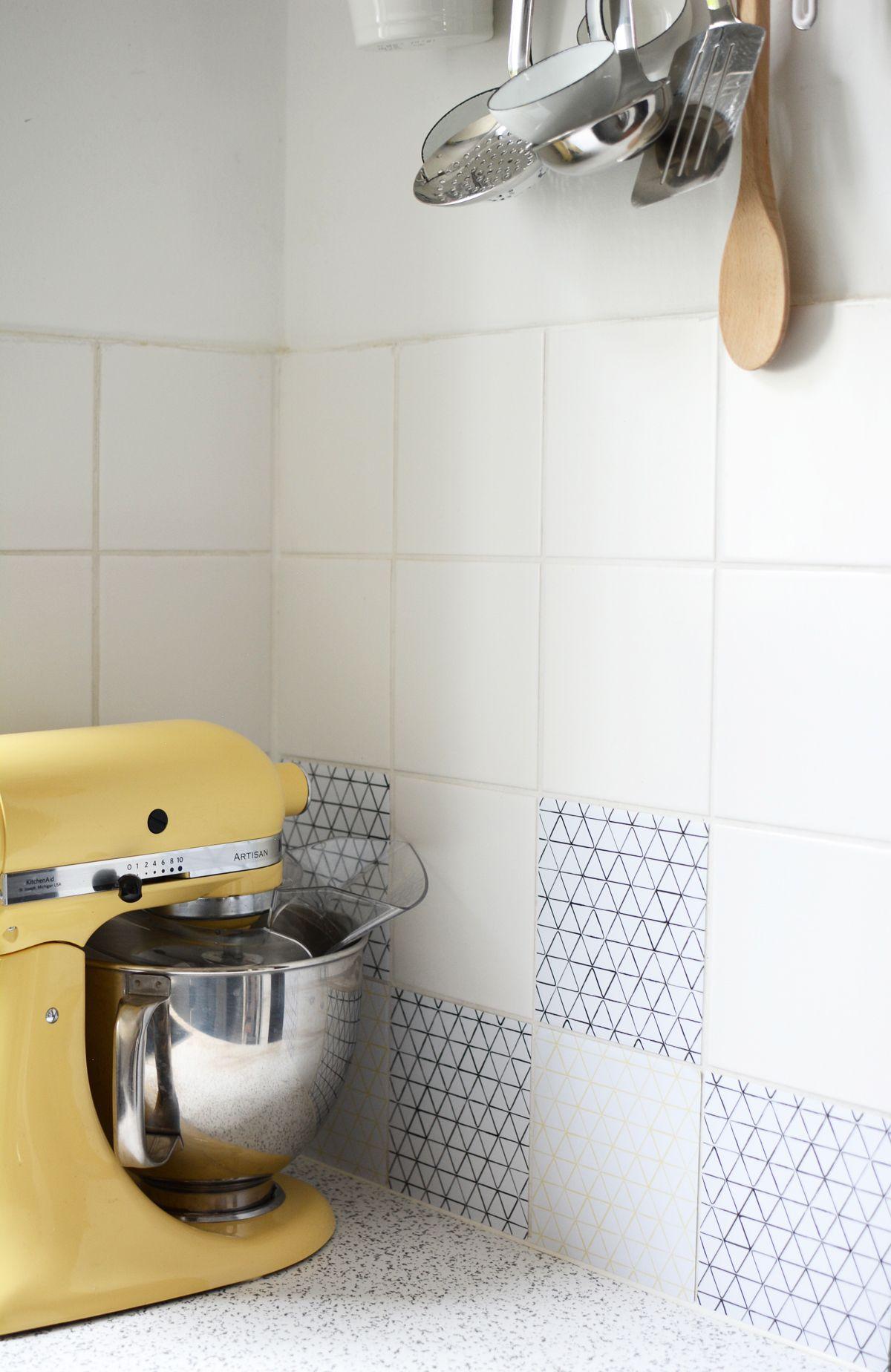 Creatistoblogger Pixiemitmilch Hat Ihrer Kuche Mit Unseren Fliesenaufklebern Im Design Mediana Ein Makeover Wohnzimmer Farbe Kleine Kuche Fliesenaufkleber