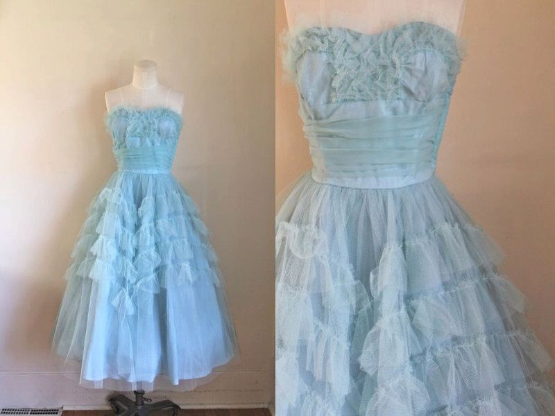 vintage 1950s prom dress - BELLE BLUE 50s tulle gown / S by MsTips on Etsy https://www.etsy.com/listing/252214583/vintage-1950s-prom-dress-belle-blue-50s