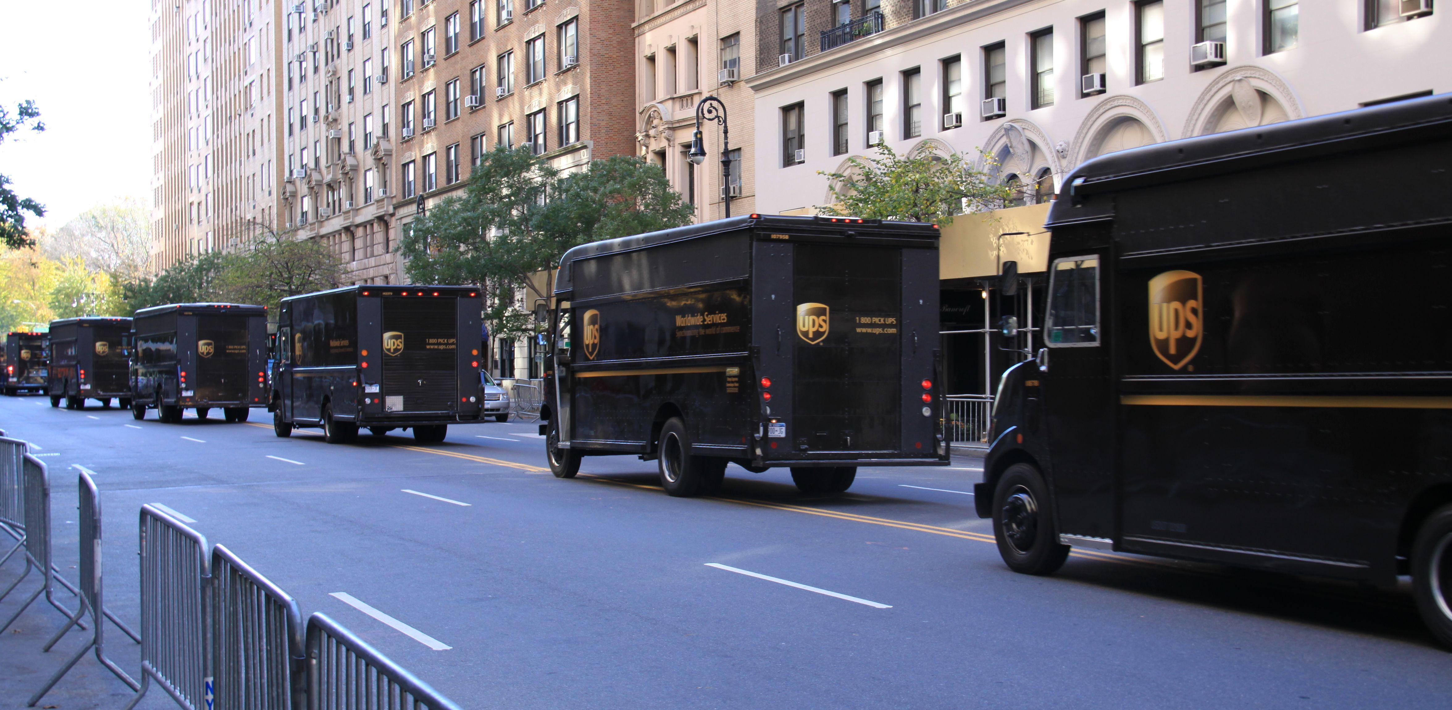 Ups Delivery Vehicles Ups Ups Parcel Ups Delivery
