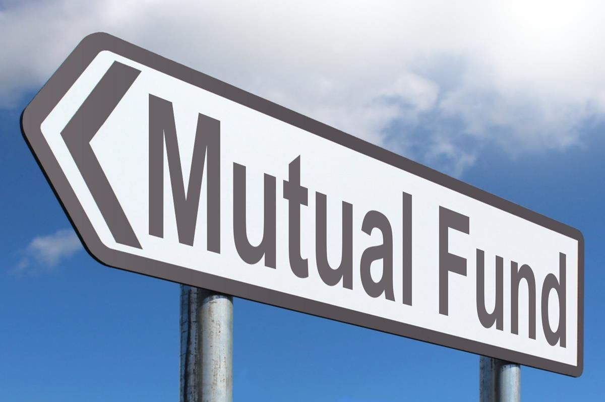 Mutual fund or Small Savings Schemes, what's better for ...