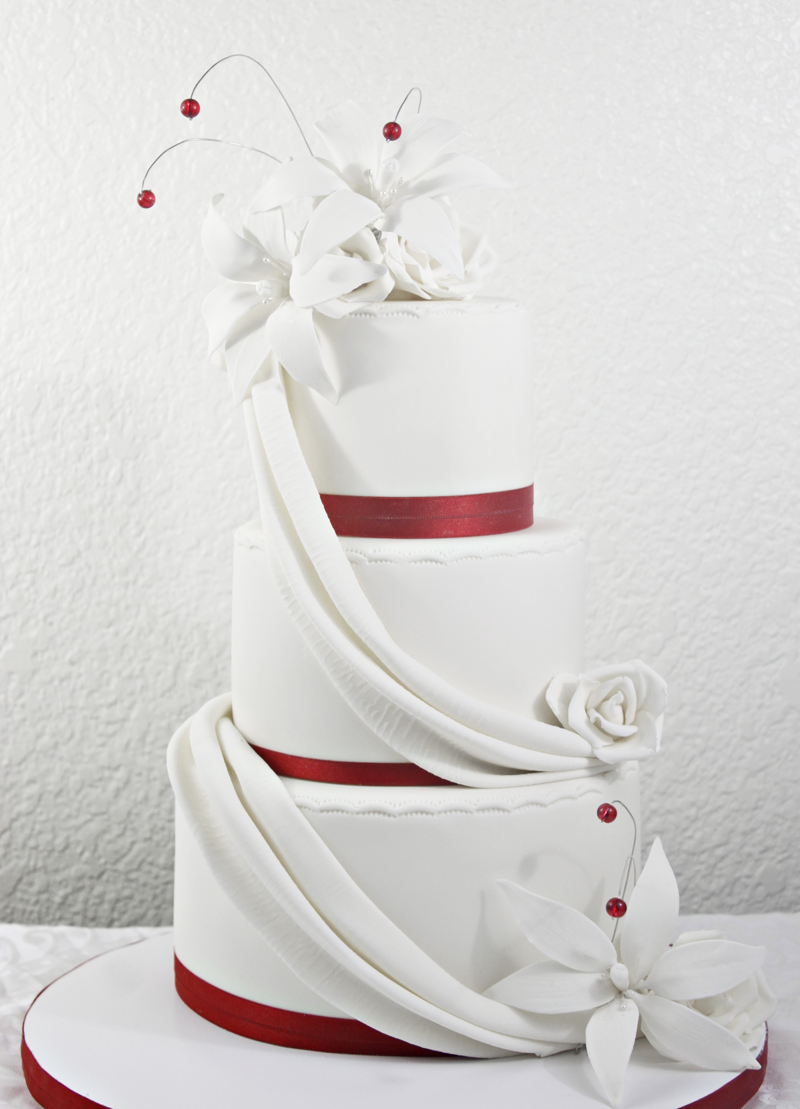 Red & White Wedding Cake w/ drapes and lilies - Red velvet cake (8,6 ...