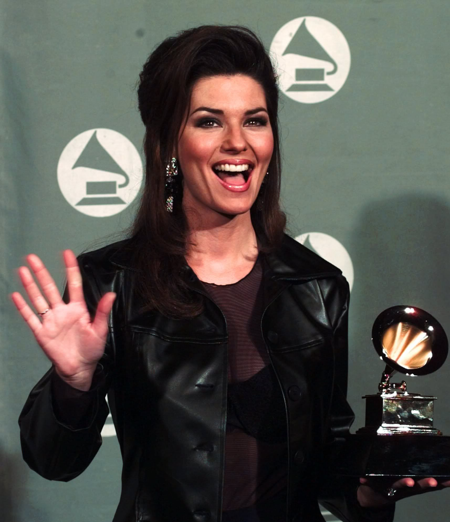Shania at the 1996 Grammy Awards where she won her first Grammy! -- Best Country Album for The Woman In Me.