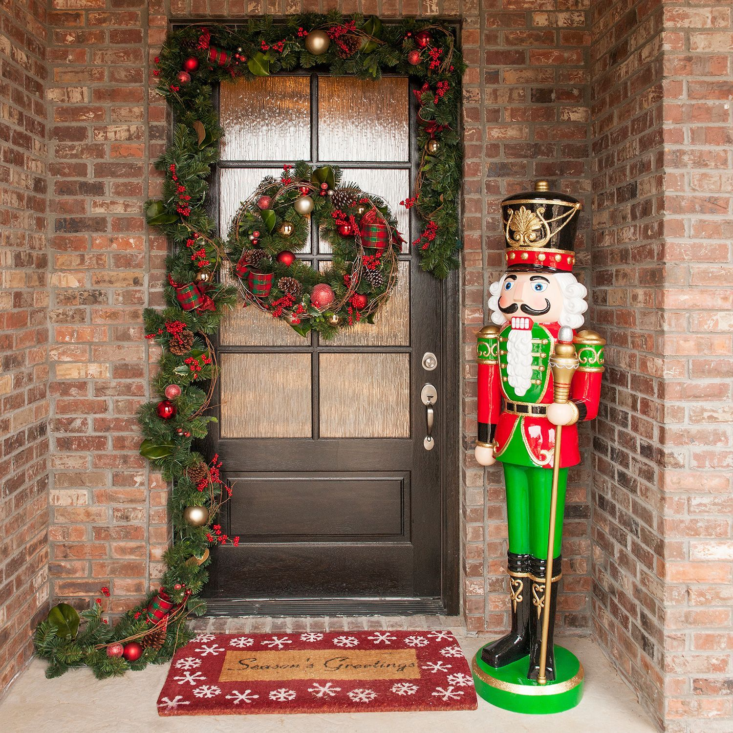 Outdoor Christmas Decorations: Resin Grand Nutcracker (6') - Sam's Club
