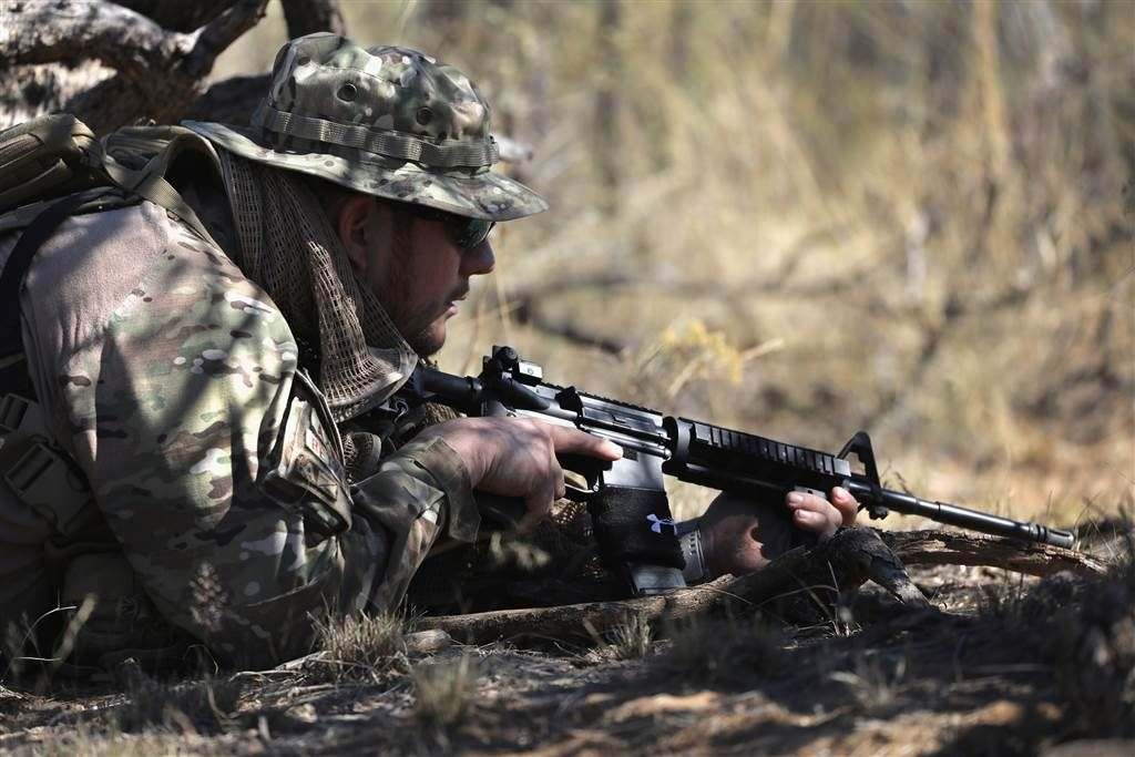 Armed citizens patrol usmexico border in arizona