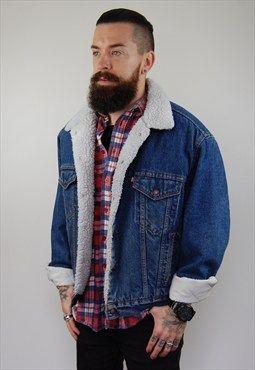 ff06d129a24b3 Levi s unisex 80s sherpa-lined vintage denim jacket.oversize   PG ...