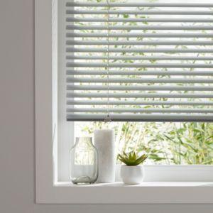 Colours Studio Grey Venetian Blind W 120 Cm L 180 Cm Blinds Blinds For Windows Living Rooms Colourful Living Room