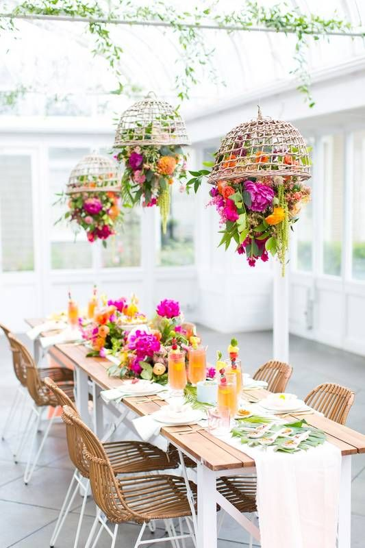 15 Outdoor Dining Table Decorating Ideas To Copy This Season Tropical Garden Party Table Decorations Wedding Decorations