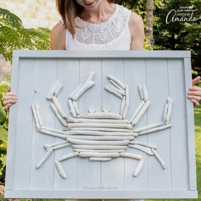 This Driftwood Crab Wall Art Work Will Look Magnificent In A Beachfront Cottage Or A Beach Themed Ba Driftwood Art Driftwood Art Diy Beach Theme Bathroom