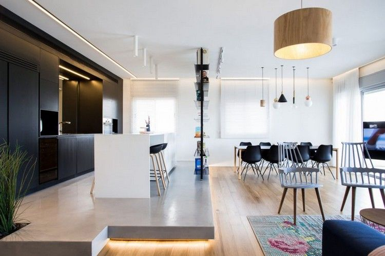 Moderne offene Küche auf Podest mit Bodenbeleuchtung Wohnideen - moderne offene wohnzimmer