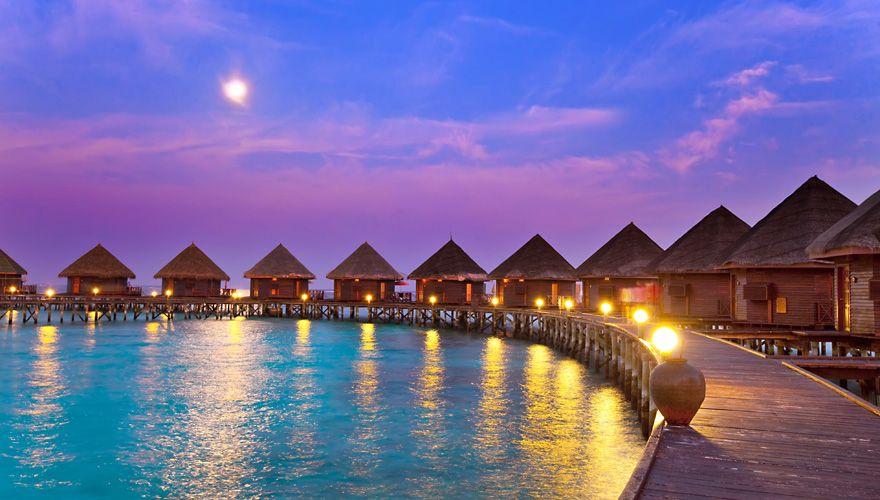 水上コテージ(モルディブ)|青の絶景|THE WORLD IS COLORFUL