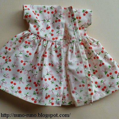 Molde de vestido de boneca simples