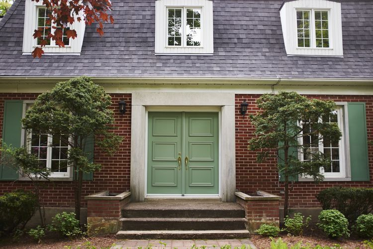 Using Decor to Give Your Front Door Good Feng Shui Puertas