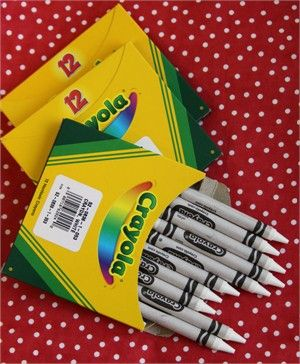 white crayons for coloring on fabric (base coat)... want to try this ...