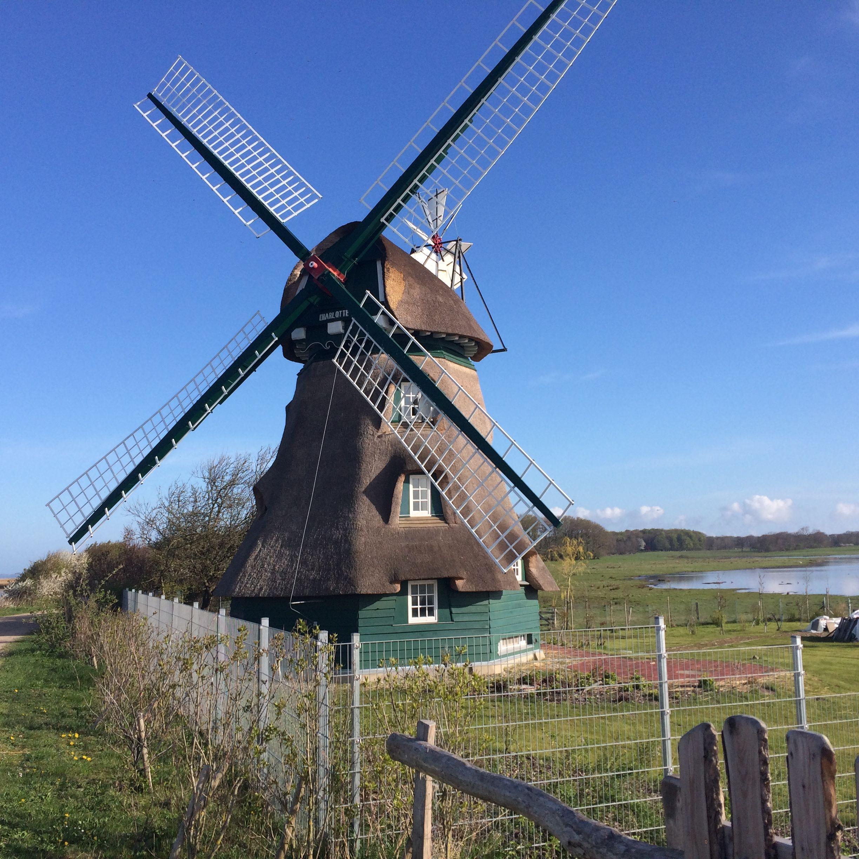 Pin on Windmühlen und Wassermühlen