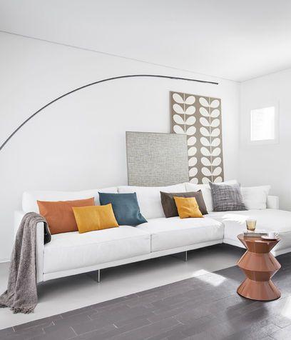 Divano bianco con cuscini colorati interior designer pinterest cuscini colorati divano e - Cuscini moderni per divano ...