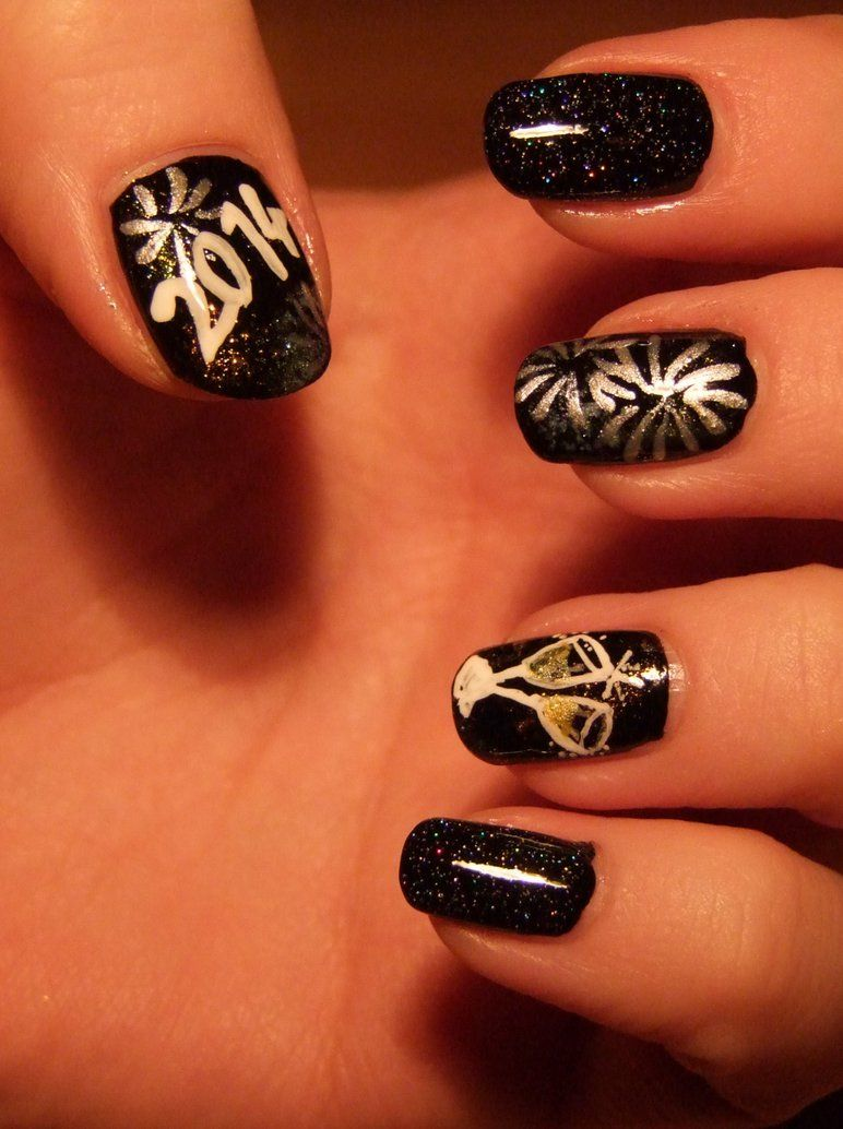 New Years Nail Art Designs | Picturesque New Year\'s Eve Nail Art In ...