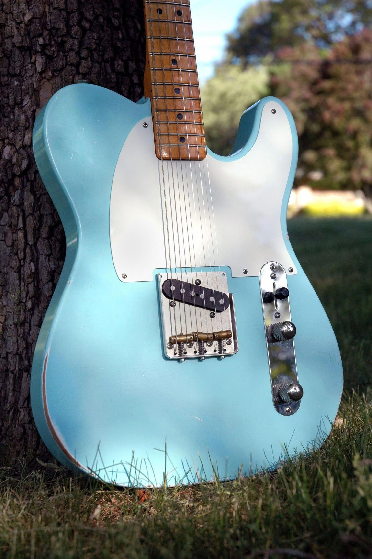 26 Incredible Travel Guitar Electric Acoustic Guitarrist Travelguitar Fender Telecaster Yamaha Guitar Electric Guitar