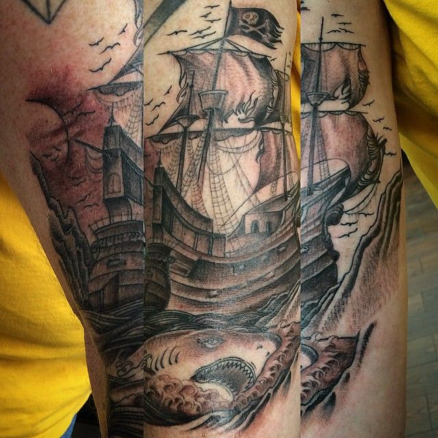 pirate ship tattoo tats pinterest pirate ship tattoos pirate tattoo and tattoo designs. Black Bedroom Furniture Sets. Home Design Ideas